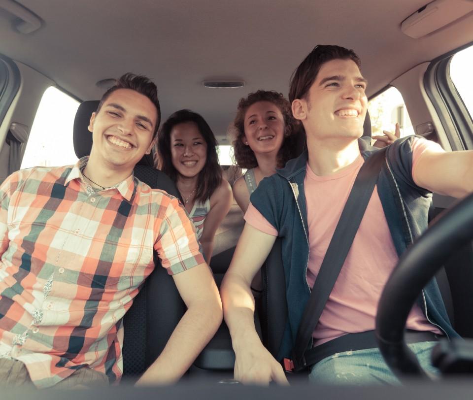 jongeren in auto - rijschool utrecht selectadrive